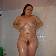 Mollige Freundin Beim Duschen Nackt Foto