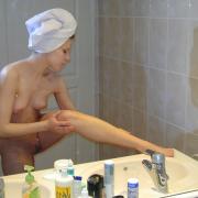 Schneller Schnappschuss Der Nackten Freundin Nach Dem Duschen