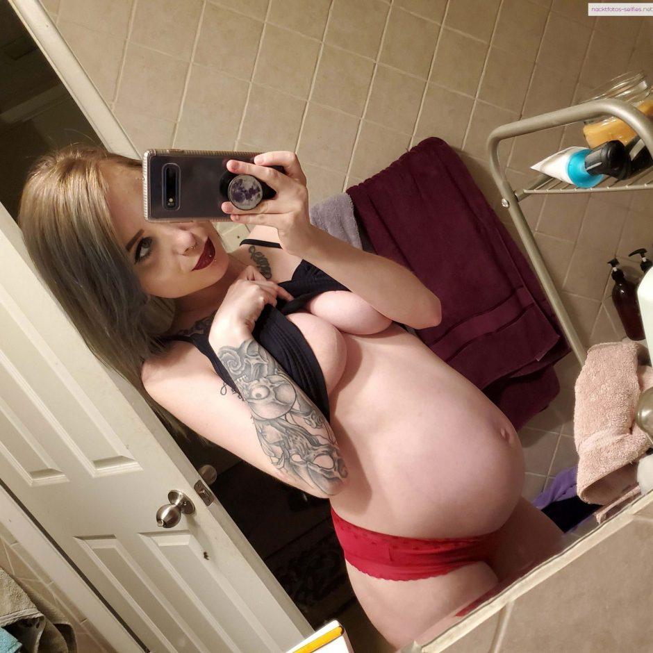 Schwangeren Selfie Nackter Bauch Und Busen