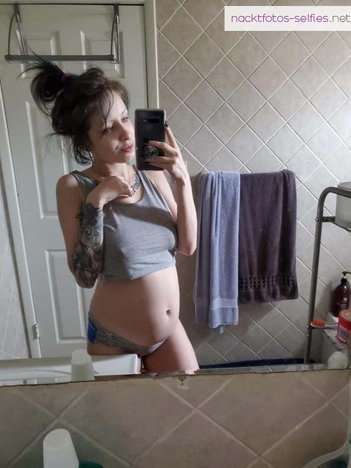 Privates Bild Nacktbilder Perle Percing Cloud Tatowiert Ehefrau Erotisch